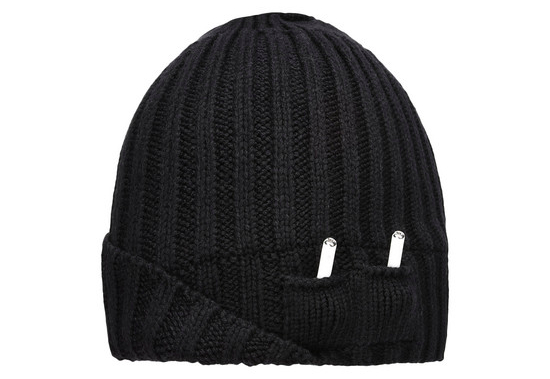 kepurės kaina 115USD