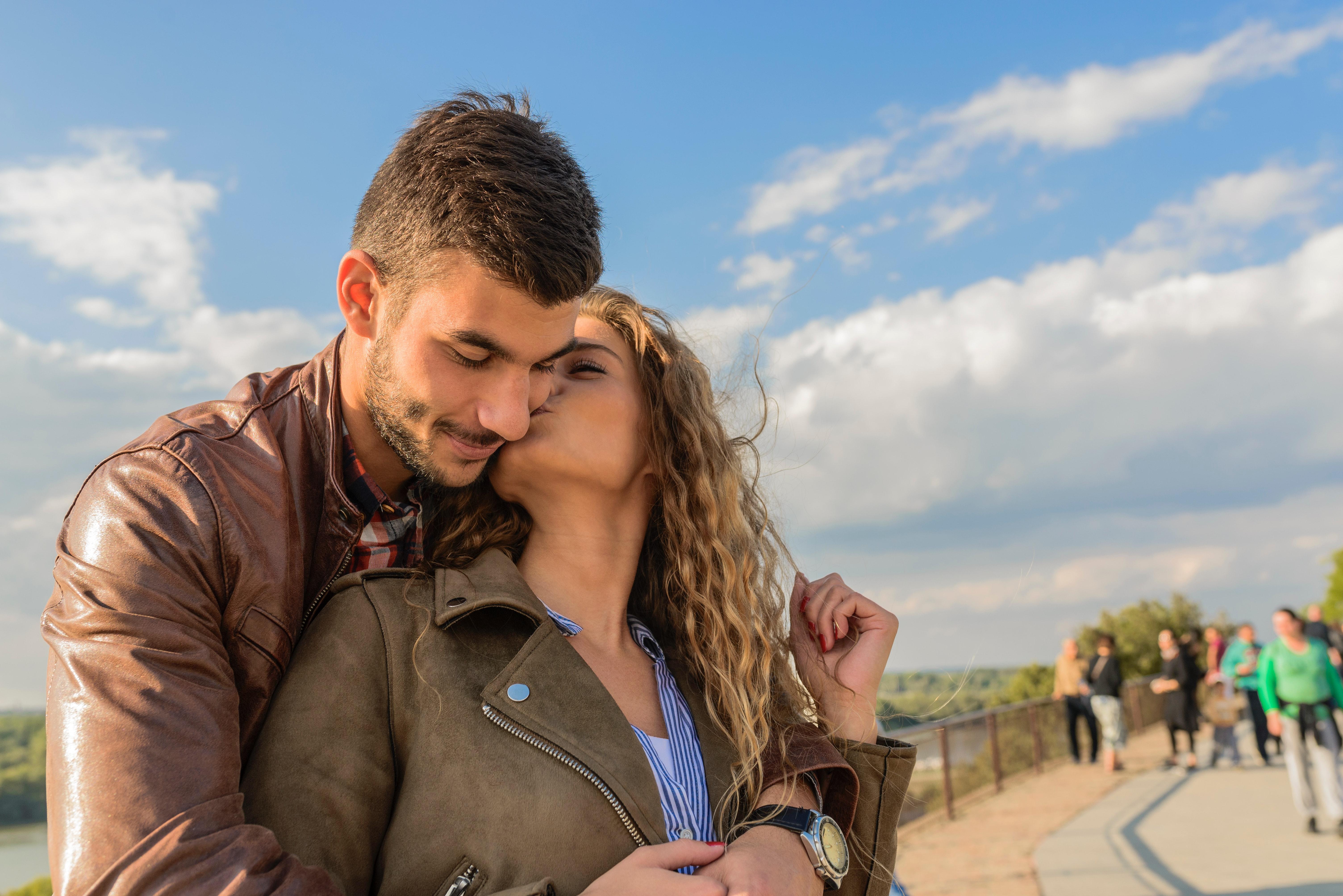 Relativa impropria finale latino dating