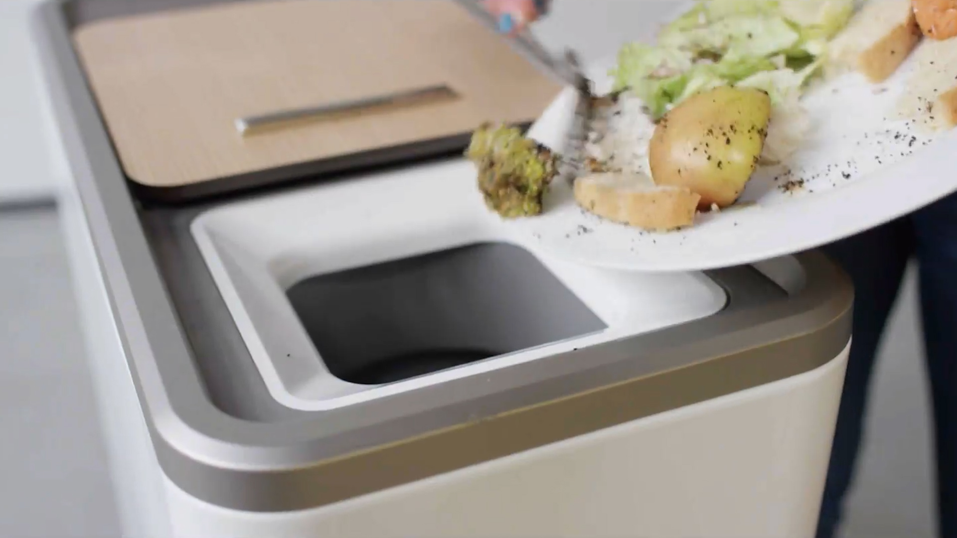 This Magical Food Recycler Eliminates The Grossest Thing About